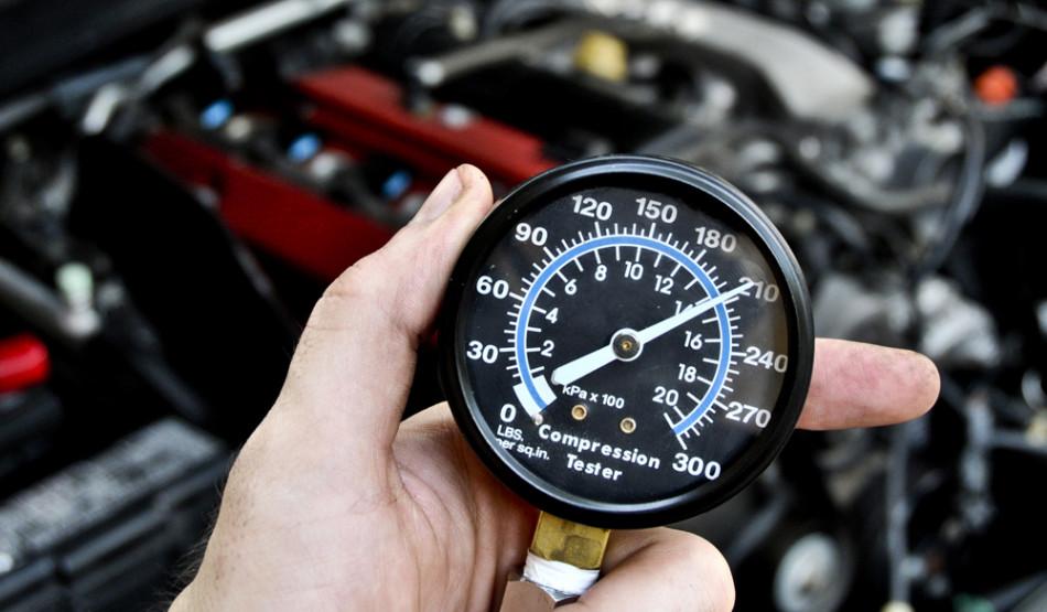 как проверить компрессию на лодочном моторе